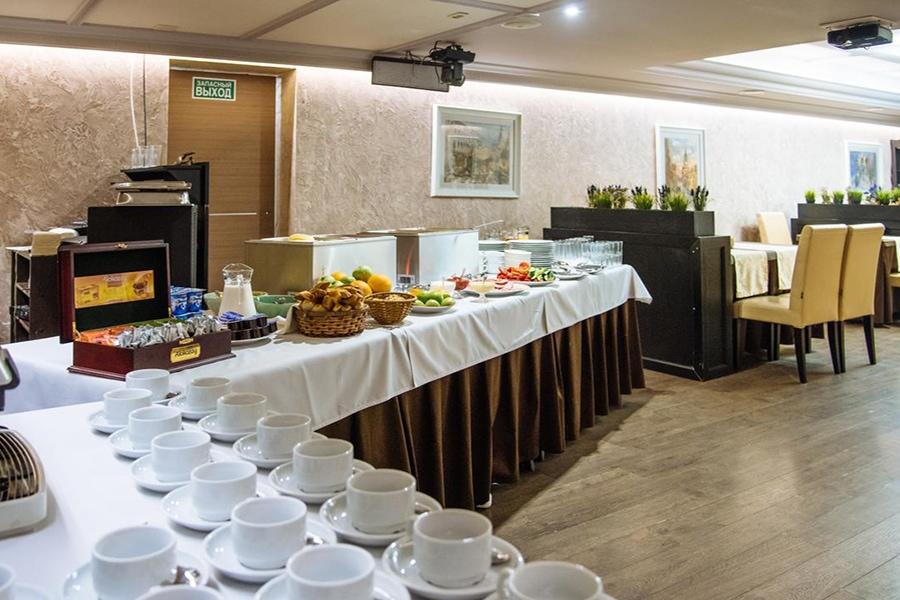 «Шведский стол» на завтрак