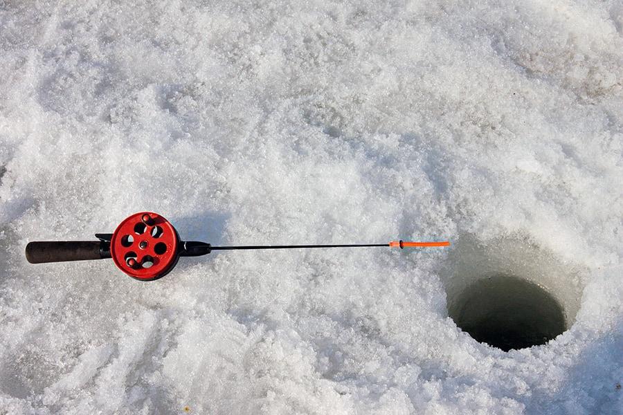 Все готово для зимней рыбалки