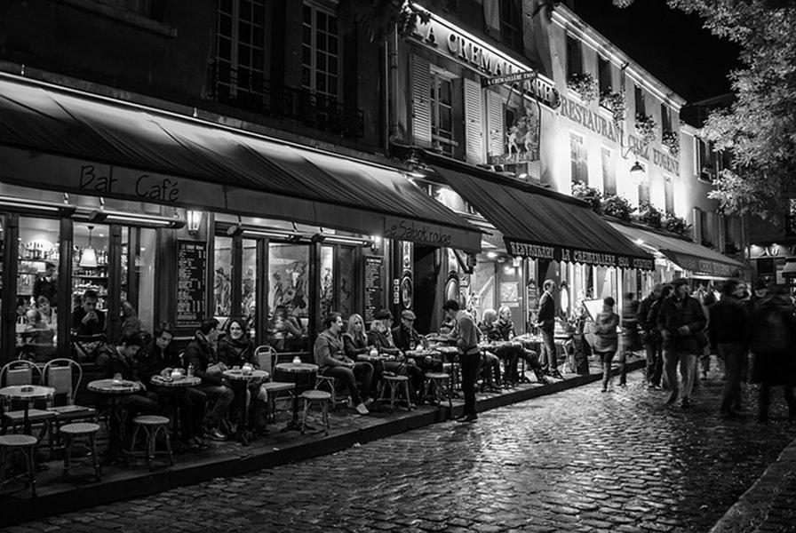 Ночное кафе в Париже