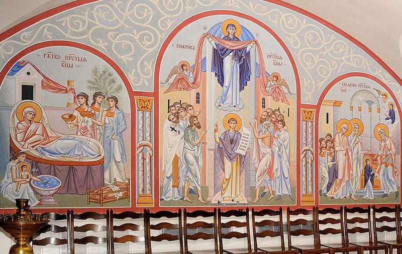 Росписи внутри Никольского собора