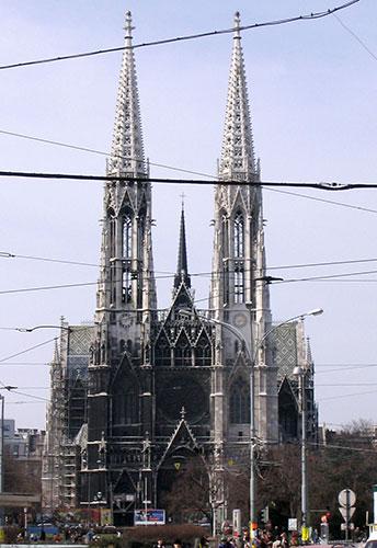 Церковь Вотивкирхе /фото с сайта храма