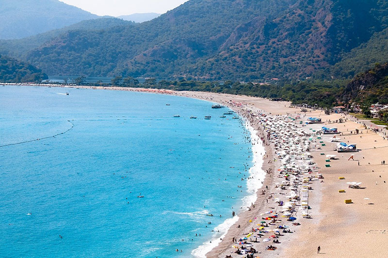 Пляж Голубая Лагуна в Олюденез