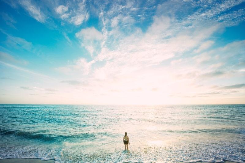 Бирюзовое море и пляж
