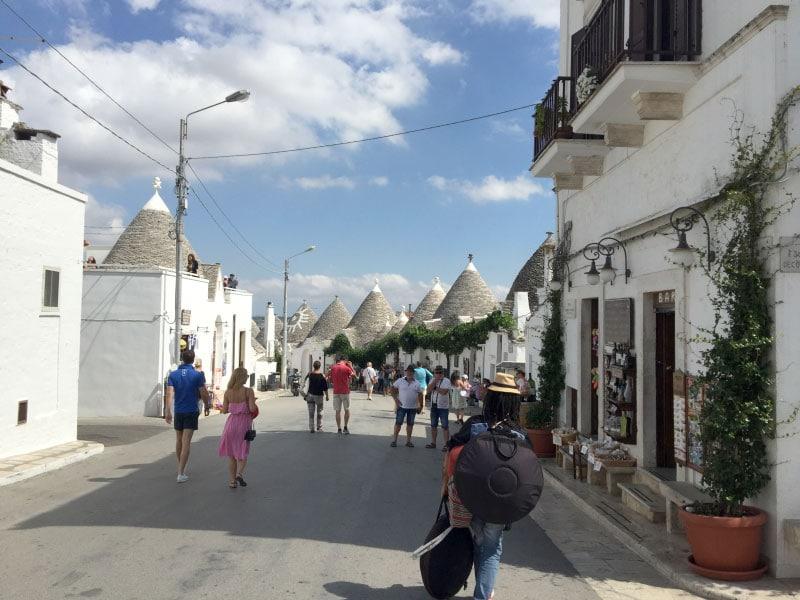 На улочках  Альберобелло