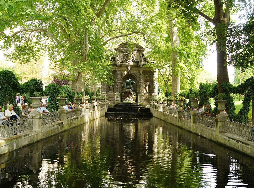 Весной в Люксембургском саду