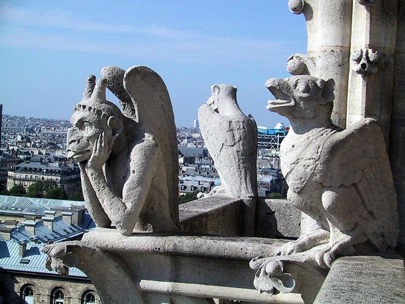Одна из главных достопримечательностей Парижа – Нотр-Дам