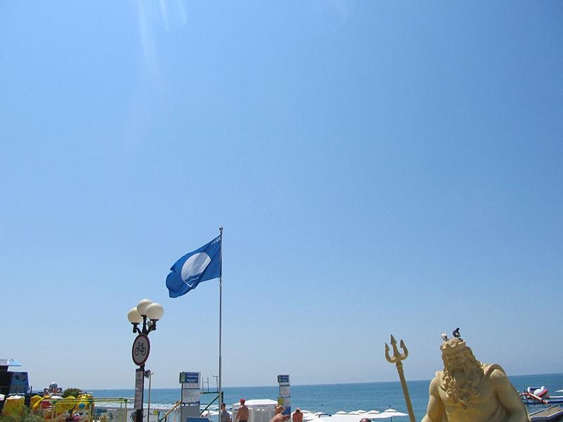 Голубой флаг Приморского пляжа в Сочи
