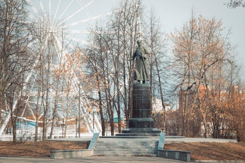 Что посмотреть в Иваново за 1 день – памятник Михаилу Фрунзе