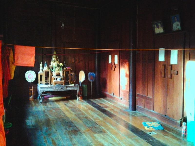 Комната в буддистском храме
