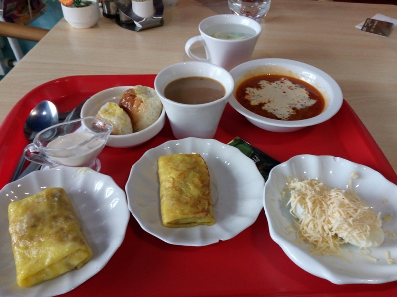 Обед в придорожном кафе