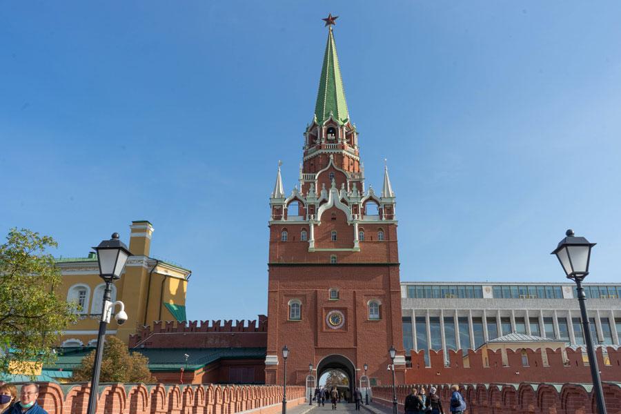 Троицкая башня с Троицкого моста